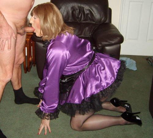 Certaines femmes aiment se montrer en train de faire pipi